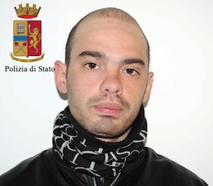 Ragusa, spacciava in piazza San Giovanni e alle case popolari: arrestato dalla Mobile