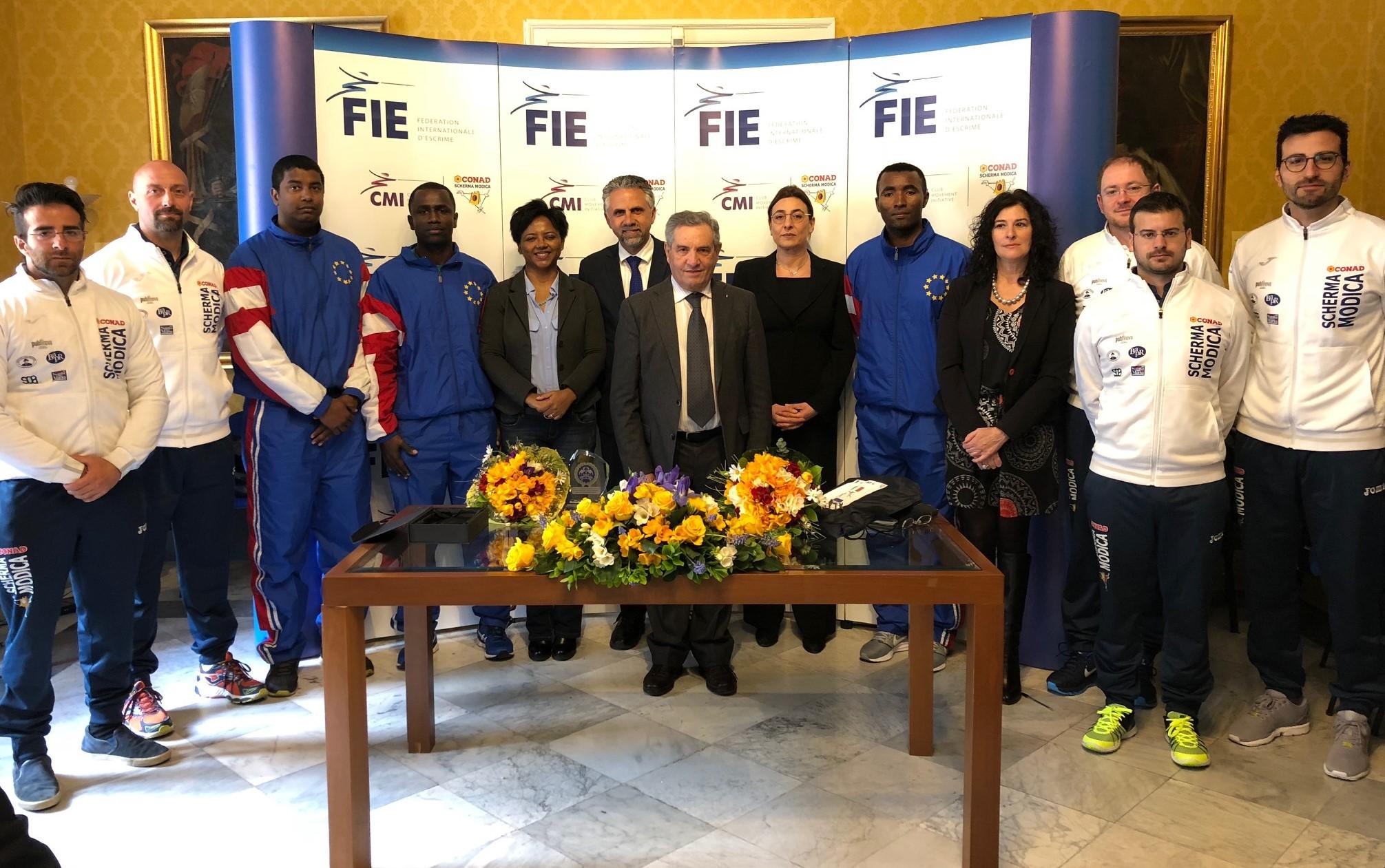 """La Scherma Modica """"laurea"""" a pieni voti tre nuovi istruttori di Capo Verde"""