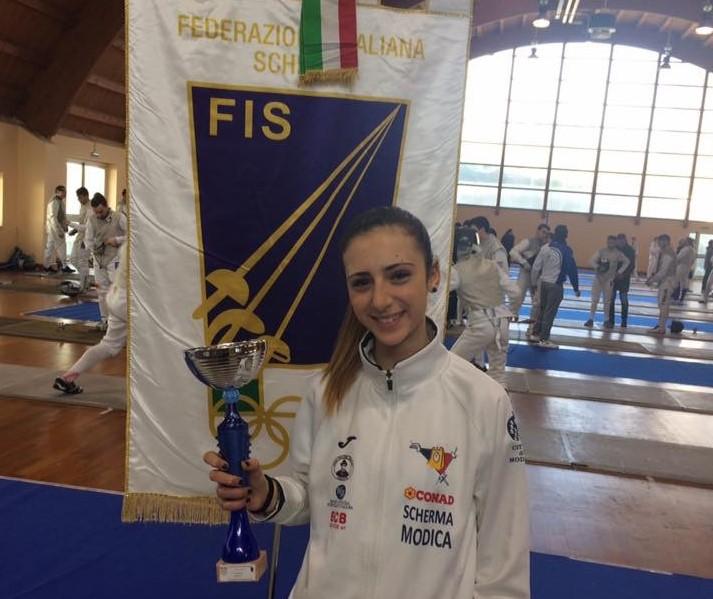 Conad Scherma Modica, Carolina Cavallo trionfa nella prova di Avellino