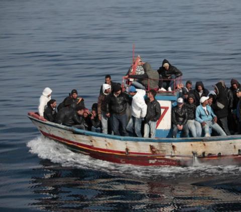 Immigrazione, sbarco a Pozzallo: fermati tre scafisti