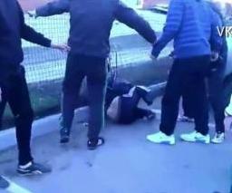 Catania, pugni e calci ad un uomo perché omosessuale: arrestati 3 giovanissimi