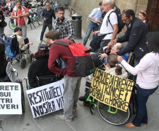 A Palermo mancano fondi assistenza studenti disabili, scoppia la protesta