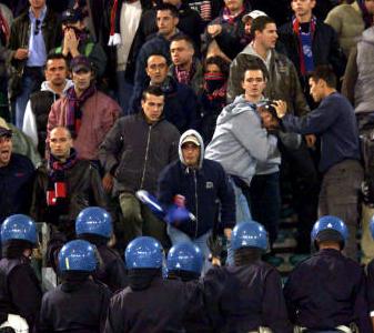 Daspo per ultras etneo che minacciò gli agenti durante l'incontro Catania-Catanzaro