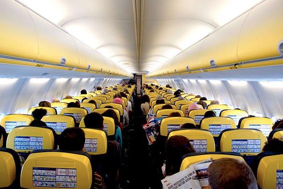 Aeroporti, volo Ryanair Palermo-Verona parte dopo 10 ore per un guasto