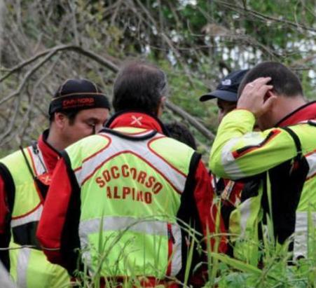Etna, trovato in buone condizioni l'anziano disperso: era scivolato in un dirupo
