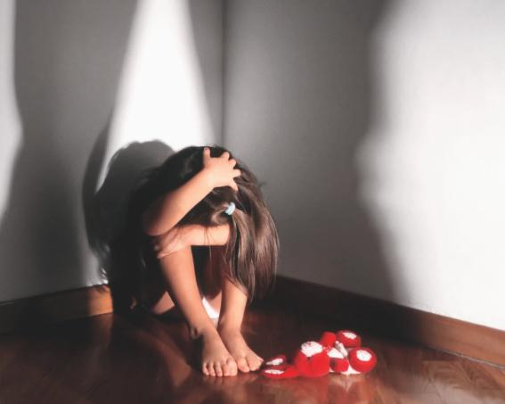 Abusa della figlia minorenne, arrestato un uomo nel trapanese