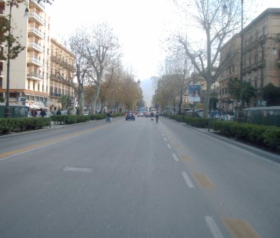 Palermo, incidenti stradali: pedone travolto da uno scooter