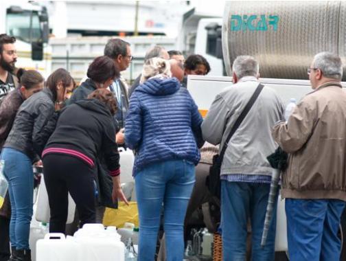 """Messina senz'acqua, per Renzi è una vergogna ma il sindaco rassicura: """"Condotta riparata"""""""