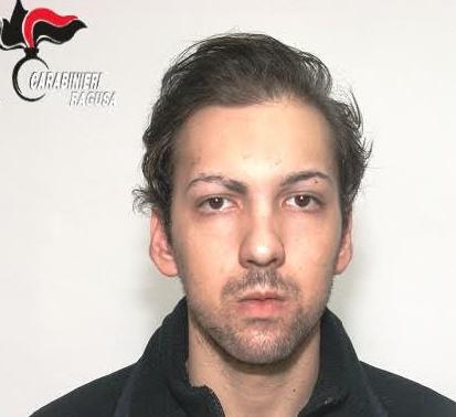 Ragusa, in casa con 100 dosi di marijuana: arrestato un presunto spacciatore