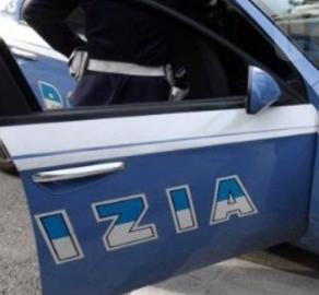 Droga, sperona un' auto  della polizia, presunto corriere arrestato nel Ragusano
