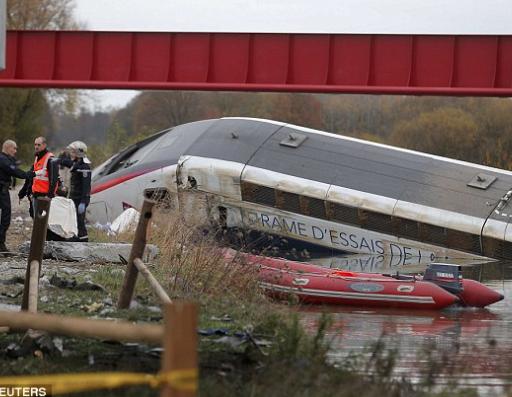Tragedia senza fine in Francia, deraglia treno a Strasburgo: 5 morti e 7 feriti