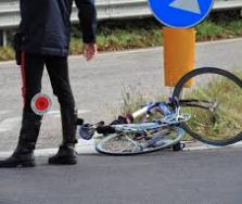 Incidenti stradali, perde la vita ciclista di 48 anni nel trapanese