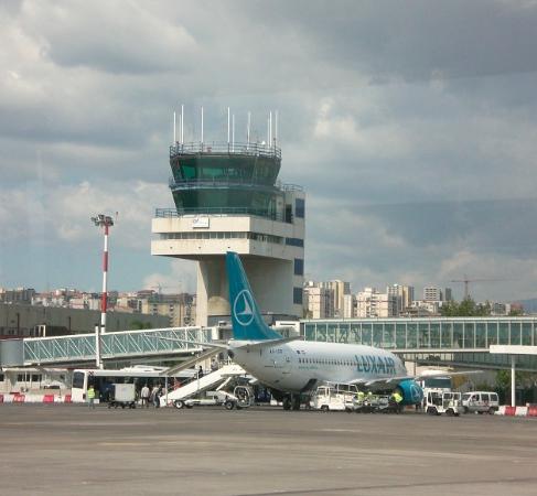 Aeroporto Catania, aereo perde una ruota in volo e la Procura apre un'inchiesta