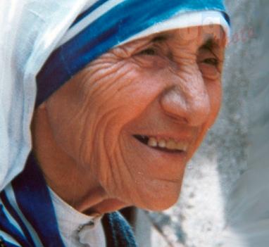 Madre Teresa, da Papa Francesco via libera al riconoscimento della santità