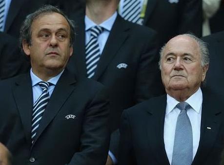 Calcio, Fifa: Blatter e Platini squalificati per 8 anni