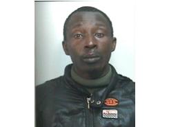 Giarre,  fornisce false generalità: gambiese arrestato