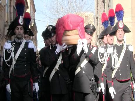 Militello Val Catania, picchetto d'onore per il carabiniere morto in servizio