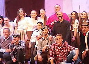 """Augusta, Città della Notte: grande successo di pubblico per """"Aggiungi un posto a Tavola"""""""