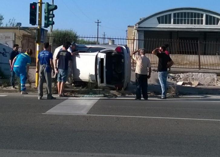 Palermo, scontro tra auto: una su un fianco in via Libertà