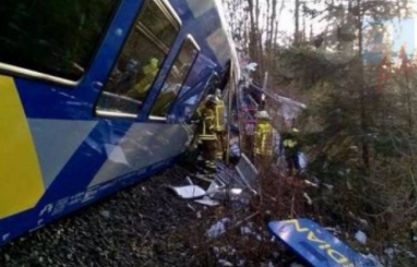 Germania, scontro tra treni in Baviera: 9 morti e 90 feriti