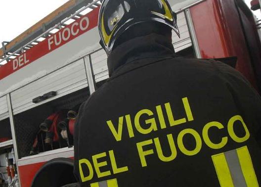 Catania, a fuoco un appartamento in centro: morta un'anziana