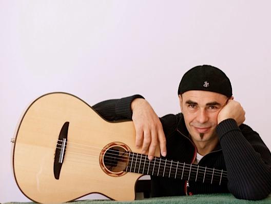 Il chitarrista Antonio Forcione in concerto al Blue Brass a Palermo