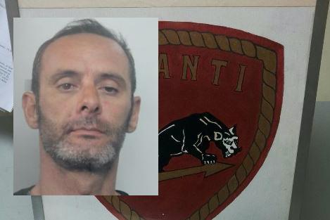 Siracusa, la polizia arresta un uomo per rapina e furto in abitazione
