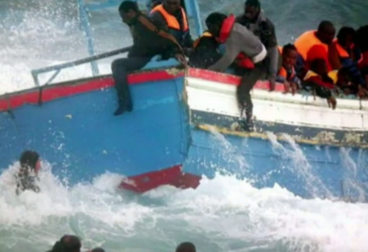 Ecatombe nel Mediterraneo: 400 migranti annegati