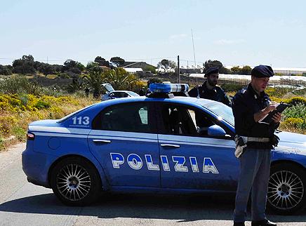 La polizia scopre 24 braccianti in nero a Vittoria: sospese aziende
