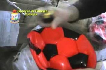 Catania, Gdf sequestra 5.500 gadget Calcio Catania: due denunce