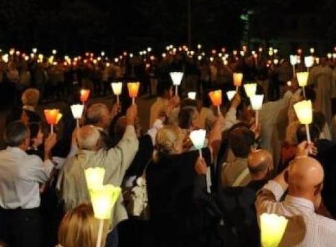 Gli attentati col fuoco tra Solarino e Floridia, fiaccolata per la legalità