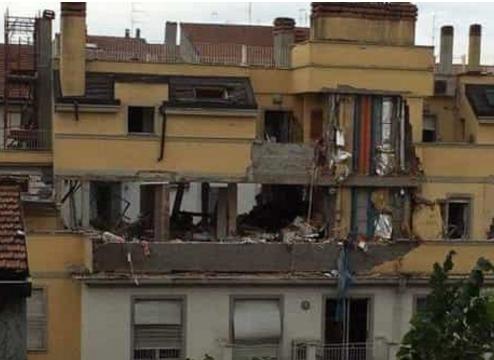 Crolla una palazzina a Milano, tre morti e due bimbe gravi