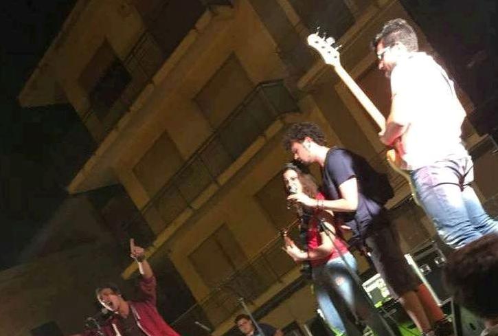 """Floridia, i giovanissimi """"Oblio"""" in concerto in Piazza del Popolo"""