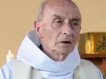 Orrore dell'Isis in Francia, sgozzato un prete di 84 anni: uccisi i due terroristi