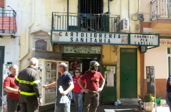 Palermo, si incendia negozio: muore per salvare la moglie
