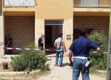 Coppia di conviventi trovata morta nelle scale di casa a Mazara del Vallo