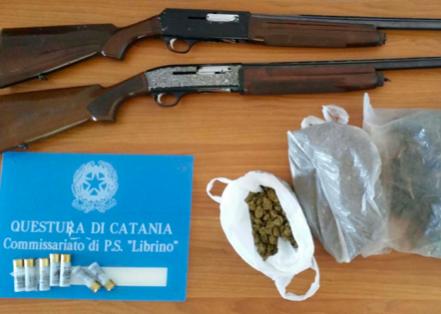 Catania, la polizia sequestra oltre un chilo di droga e due fucili