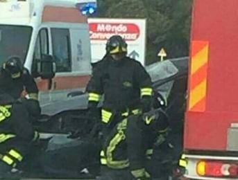 Siracusa, un morto in incidente stradale a Targia: è di Melilli