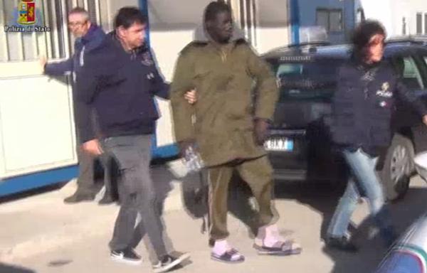 Ragusa, favorivano l'immigrazione clandestina: arrestati due presunti scafisti
