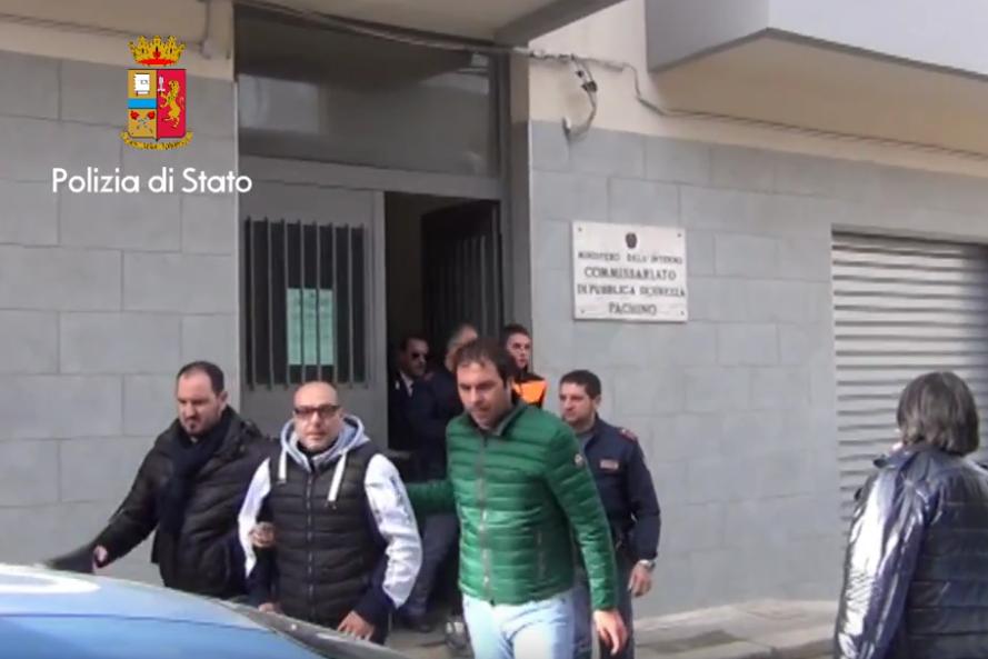 Pachino, due rapinatori inchiodati dai filmati: sono in carcere (VIDEO)