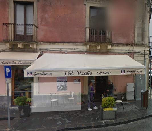 Catania, grasso incrostato e tracce di escrementi: chiuso il bar Vitale