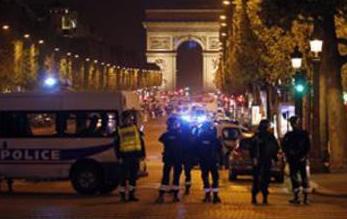 Attacco terroristico a Parigi, due morti e un ferito: l'Isis lo rivendica