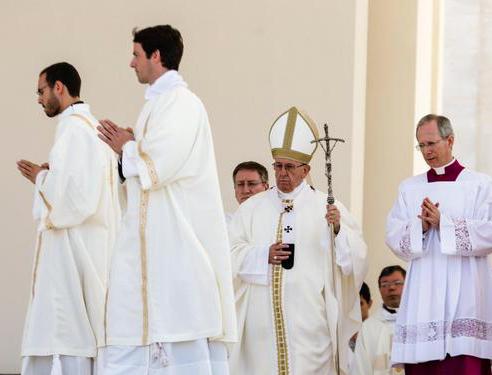 Papa, in 500 mila a Fatima per canonizzazione pastorelli