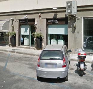 Siracusa, armati di pistola rapinano la gioielleria Veneziano