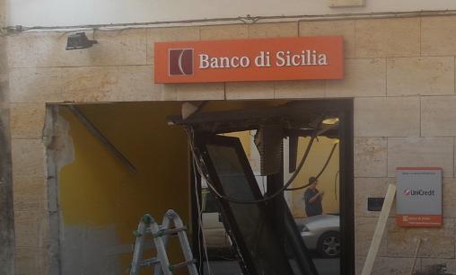 Colpo all'Unicredit di Santa Croce Camerina: rubato il bancomat