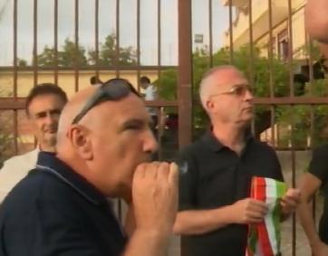 Castell'Umberto, sì dei sindaci a presidi all'hotel dei migranti