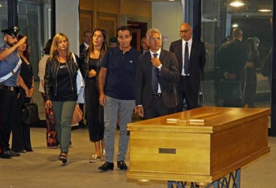 Italiano ucciso in Spagna, domani funerali a Scandicci