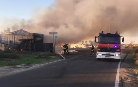 Un incendio distrugge ristorante a Oristano