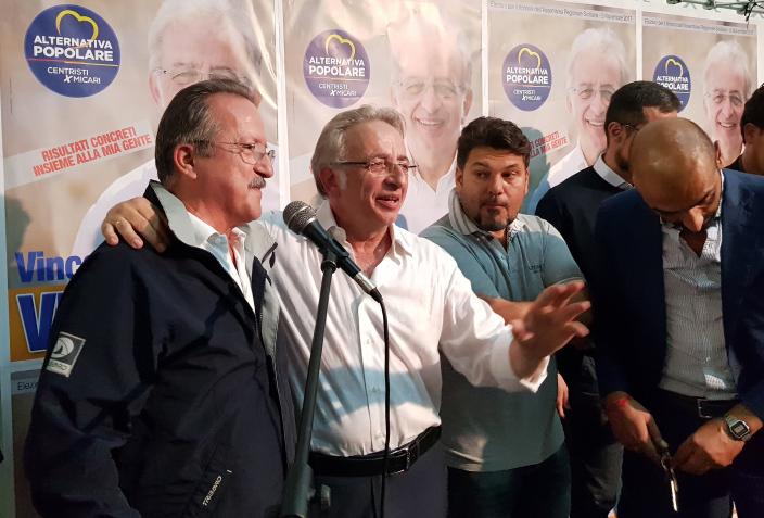 Vinciullo riunisce amici e sostenitori al Comitato  di Siracusa (LE FOTO)