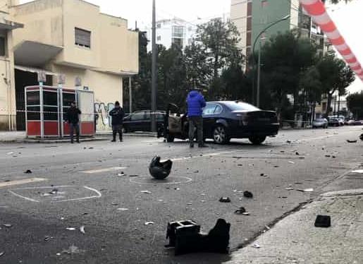Ubriaco in auto investe scooter